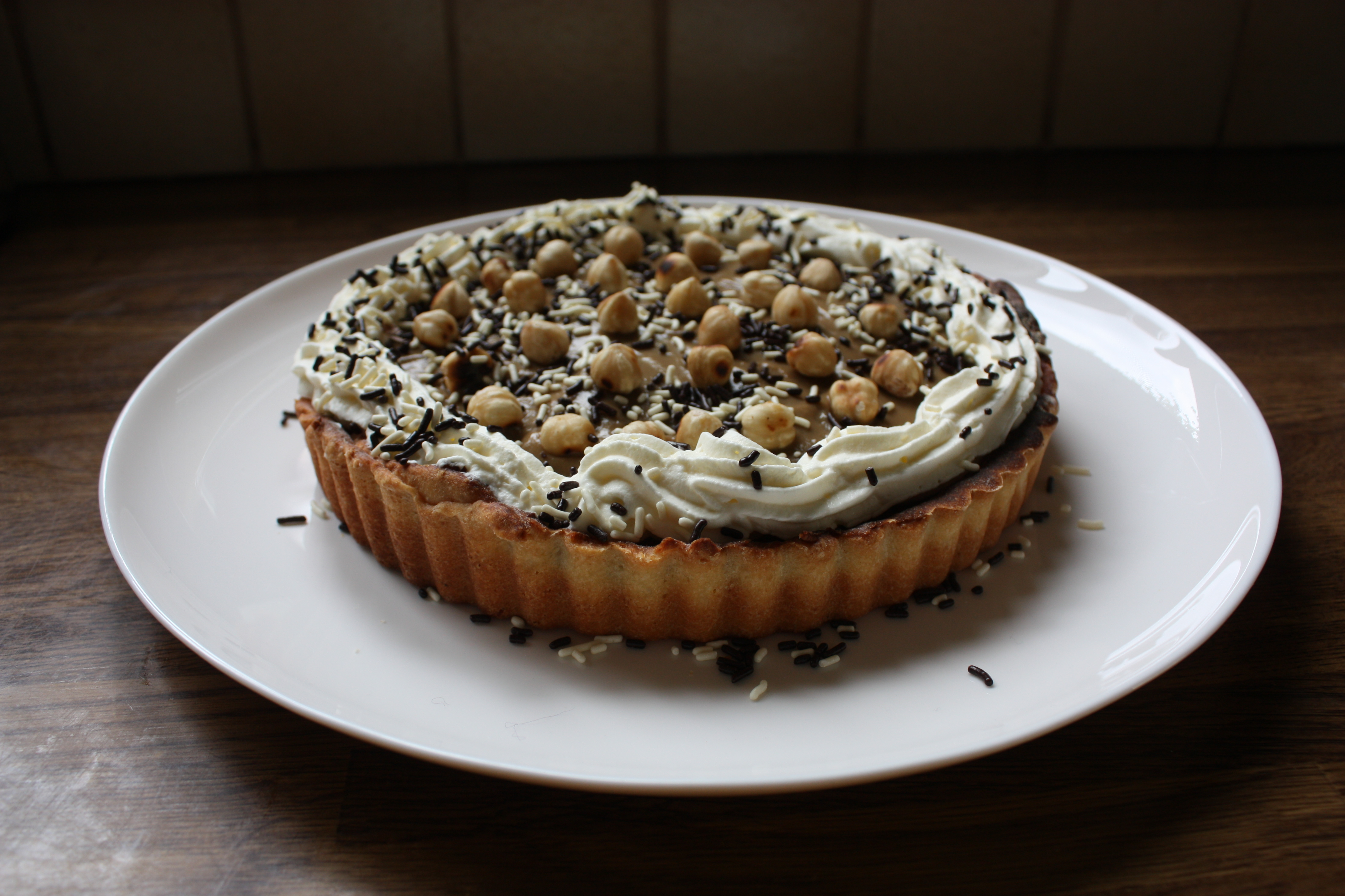 Coffee and caramel tart with hazelnuts – Jeroen Valkenier Recipes